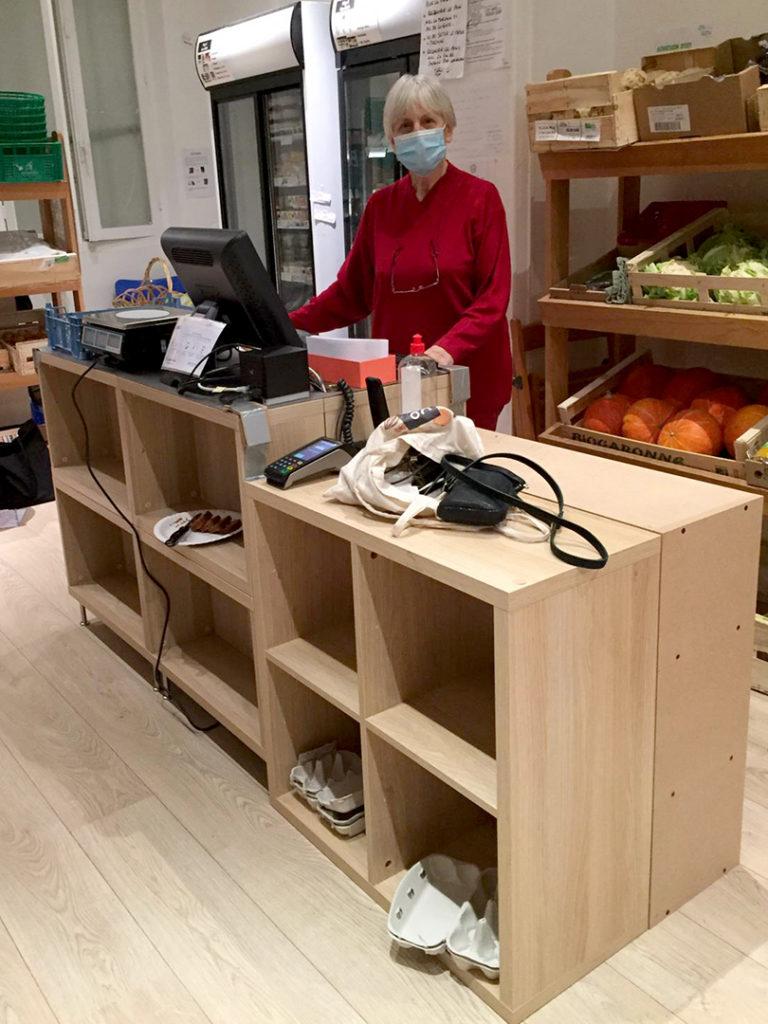 Le nouveau comptoir de caisse mis en place pour le 27 janvier 2021 La French Coop l'épicerie. Photo ©Aline Paumard